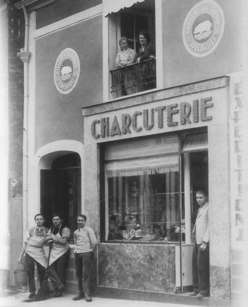 Création de la Maison Prunier.