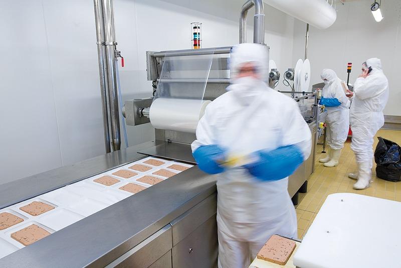 Construction d'un atelier de tranchage des rillettes, pâtés et des ballottines en salle blanche